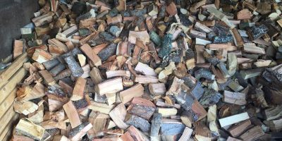 We only sell high quality barn stored Oak, Ash, Beech and Cherry Logs.  With free local delivery.